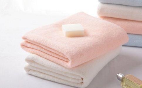 热毛巾能治病吗 热毛巾怎么治病 热毛巾如何帮助女性排毒