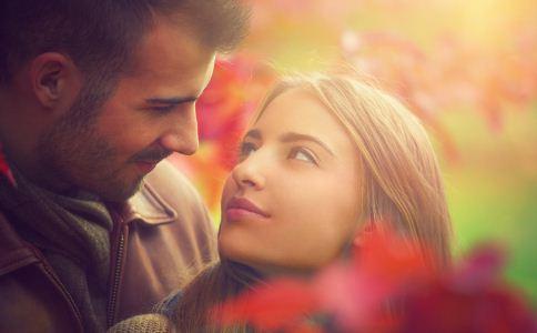 什么时候一个男人最会向你求婚 哪些求婚方法比较有创意 求婚成功的秘籍有哪些