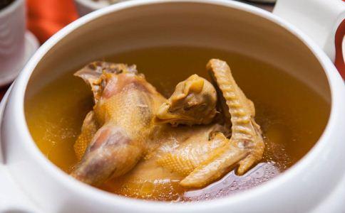 哪些人不能喝鸡汤 什么人不能喝鸡汤 鸡汤做法有哪些