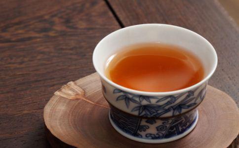 口臭喝什么茶好 口臭怎么办 如何治疗口臭