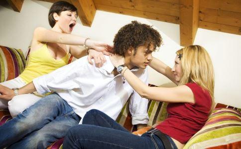 让男人出轨的女人有哪些 哪种女人容易让男人出轨 男人会和闺蜜出轨吗