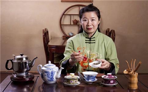 秋季喝茶有什么好处 秋季喝茶注意事项 秋季怎么喝茶