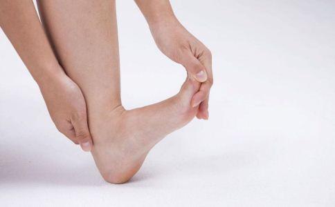 汗脚怎么选择合适的袜子 男人怎么选择合适的袜子 男人怎么挑袜子