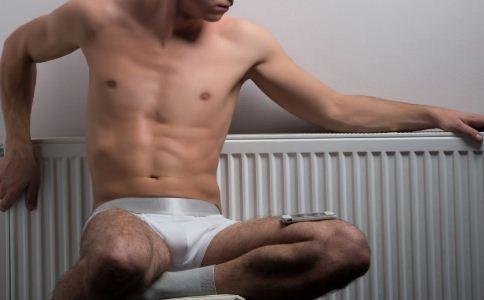 内裤太紧有什么危害 内裤太紧会影响生育吗 男人选什么内裤好