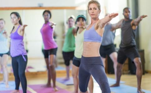 练习有氧健身操的方法有哪些 有氧健身操可以减肥吗 运动减肥注意事项