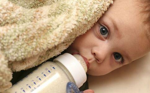 洋奶粉不符合国标 喝奶粉注意什么 喝奶粉注意哪些事