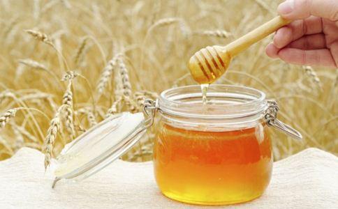 蜂蜜加陈醋的功效 蜂蜜加陈醋的作用 蜂蜜加陈醋有什么作用