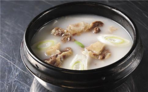 哪些食物清热解毒 秋季吃哪些食物清热解毒 喝什么汤能清热解毒