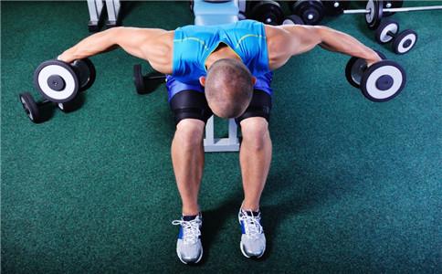 如何练胸肌上沿 怎么锻炼上胸肌 锻炼上胸肌的方法