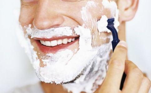 男人剃须有什么危险吗 怎么样正确剃须 正确的剃须流程是怎么样的