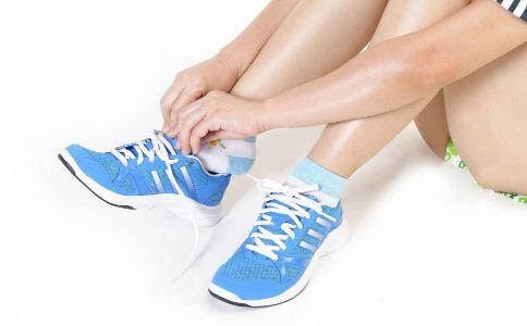 什么可以显示出男人的品味 怎么挑选男士运动鞋 运动鞋怎么挑选