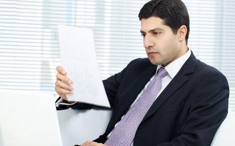 职场男士穿衣有哪些禁忌 职场上什么男人最让人反感 职场男士怎么穿衣