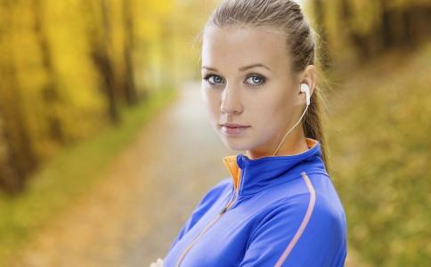 跑步减肥的正确方法有哪些 怎么跑步可以减肥 跑步减肥注意事项