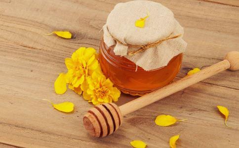 秋季皮肤干燥怎么办 皮肤干燥吃什么好 秋季怎么护肤