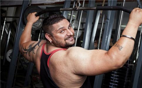怎样练出肱三头肌 练出肱三头肌的方法 肱三头肌在哪里