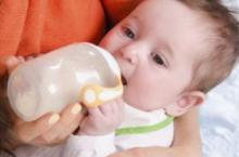 母乳转奶粉如何过渡?新妈咪必看