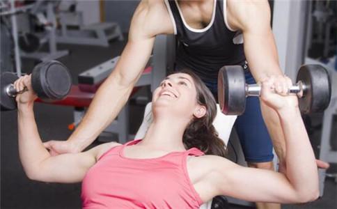 胸肌上部训练方法 胸肌上部怎么训练 胸肌上部怎么练饱满