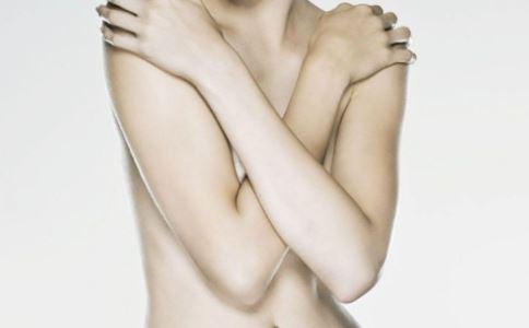 乳腺增生有哪些类型 乳腺癌的早期症状是什么 乳腺增生会癌变吗
