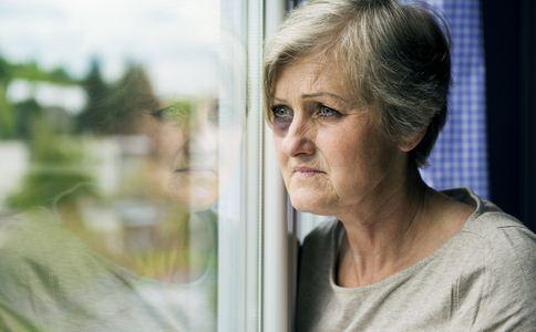 60岁女星自曝罹患乳腺癌 女星自曝罹患乳腺癌 导致乳腺癌的原因有哪些