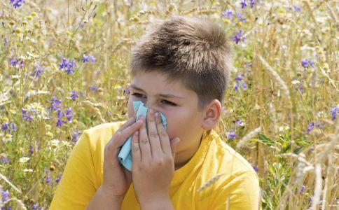 秋季鼻炎发作吃什么好 秋季如何预防鼻炎 鼻炎吃什么食疗