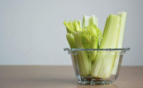 小孩可以吃芹菜吗 小孩吃芹菜的好处 小孩吃芹菜的禁忌