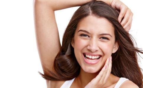 引起女性月经淋漓不尽的原因是什么 如何治疗月经淋漓不尽 月经淋漓不尽怎么调理