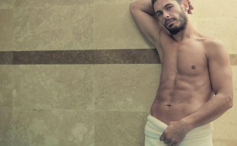 男人上班趴着睡觉有什么危害 男人怎么呵护自己的生殖健康 男人怎么洗澡比较好