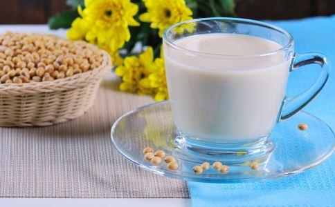 男人喝豆浆会杀精吗 豆浆怎么喝比较营养健康 男人喝豆浆好吗