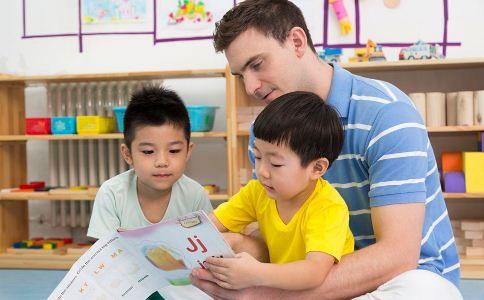 爸爸对孩子的影响有多大 怎么才能成为一个合格的爸爸 怎么做才能成为好爸爸