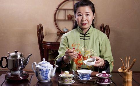 喝茶是养胃还是伤胃 喝茶会伤胃吗 胃不好的人不能喝什么茶