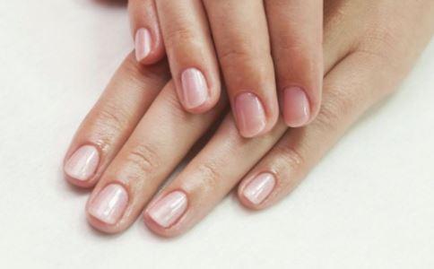 健康的指甲长什么样 怎么从指甲看健康 从指甲如何看健康