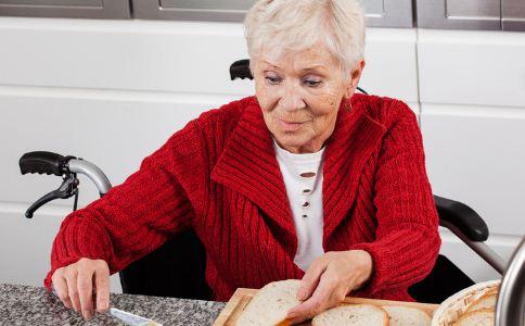 老人吃早餐的注意事项 老人早餐吃什么比较好 老人吃什么早餐好