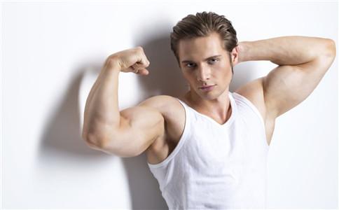 肱三头肌酸疼怎么办 拉伸肱三头肌 怎么练习肱三头肌