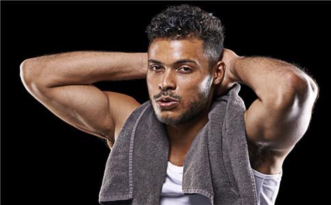 男人侧腹肌怎么练 男人侧腹肌锻炼的方法 腹肌锻炼注意事项