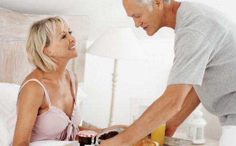 老年人吃早餐要注意什么 什么早餐适合老年人 老年人吃早餐有哪些要注意