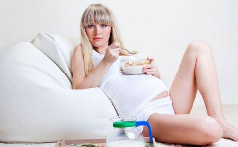 孕妇高血脂怎么办 孕妇高血脂吃什么 孕妇高血脂要注意些什么