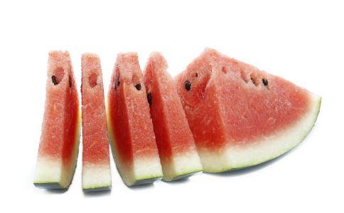 口腔溃疡吃什么好 口腔溃疡吃什么食疗好 治疗口腔溃疡的食物