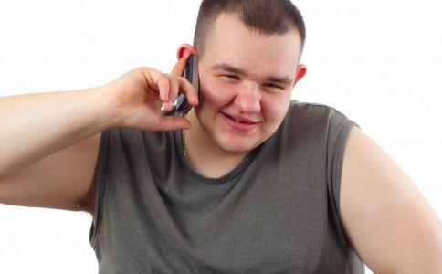 肥胖男怎么穿比较显瘦 男生怎么穿衣比较显瘦 怎么搭配才能显瘦