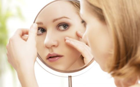 脸上为什么会长雀斑 脸上长雀斑的原因是什么 怎么祛斑美白比较有效