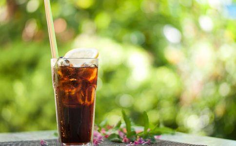 16岁高中生患糖尿病 只因把饮料当水喝3年