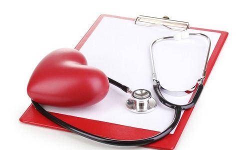 俄罗斯7岁女童心脏外露 先天性心脏病的原因