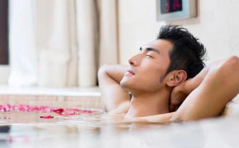 洗澡可以治療早洩嗎 早洩有什麼治療方法 早洩怎麼治療比較好
