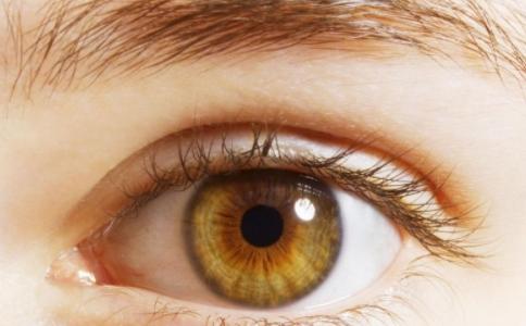 眼睛水肿怎么办 哪些方法能消肿 眼睛水肿有什么方法能消肿