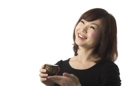 女人早衰的原因 女人如何延缓早衰 女人吃什么抗衰老