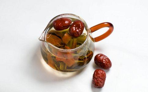 红枣泡水怎么喝 红枣怎么泡水 红枣泡水有哪些禁忌