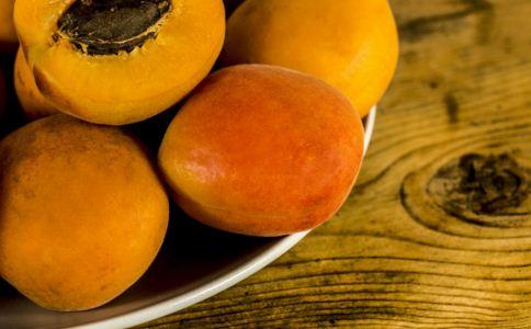 女性吃黄桃好吗 黄桃怎么吃 吃黄桃有哪些禁忌