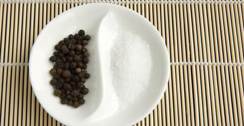 味精的危害 味精对人体的危害有哪些 味精吃多了会怎么样