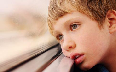 自闭症孩子被接纳 自闭症的原因是什么 导致自闭症的原因