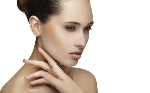 脸上油腻怎么办 脸上容易出油有什么方法 脸上怎么控油