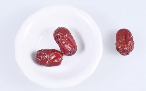 干吃红枣有哪些好处 干吃红枣有什么禁忌 红枣有哪些功效与作用